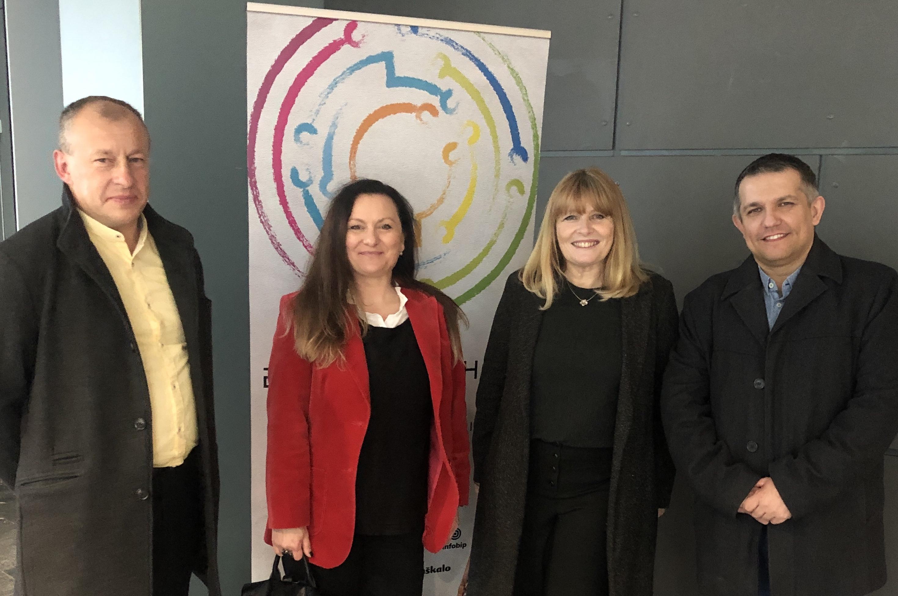Erasmus+ i eTwinning ambasadori dobili prestižno priznanje učitelja heroja - Slika